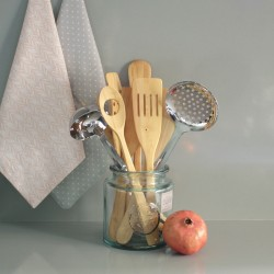 Boxwood kitchen spoon with hole