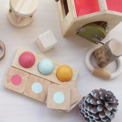 Petits trésors Montessori en bois